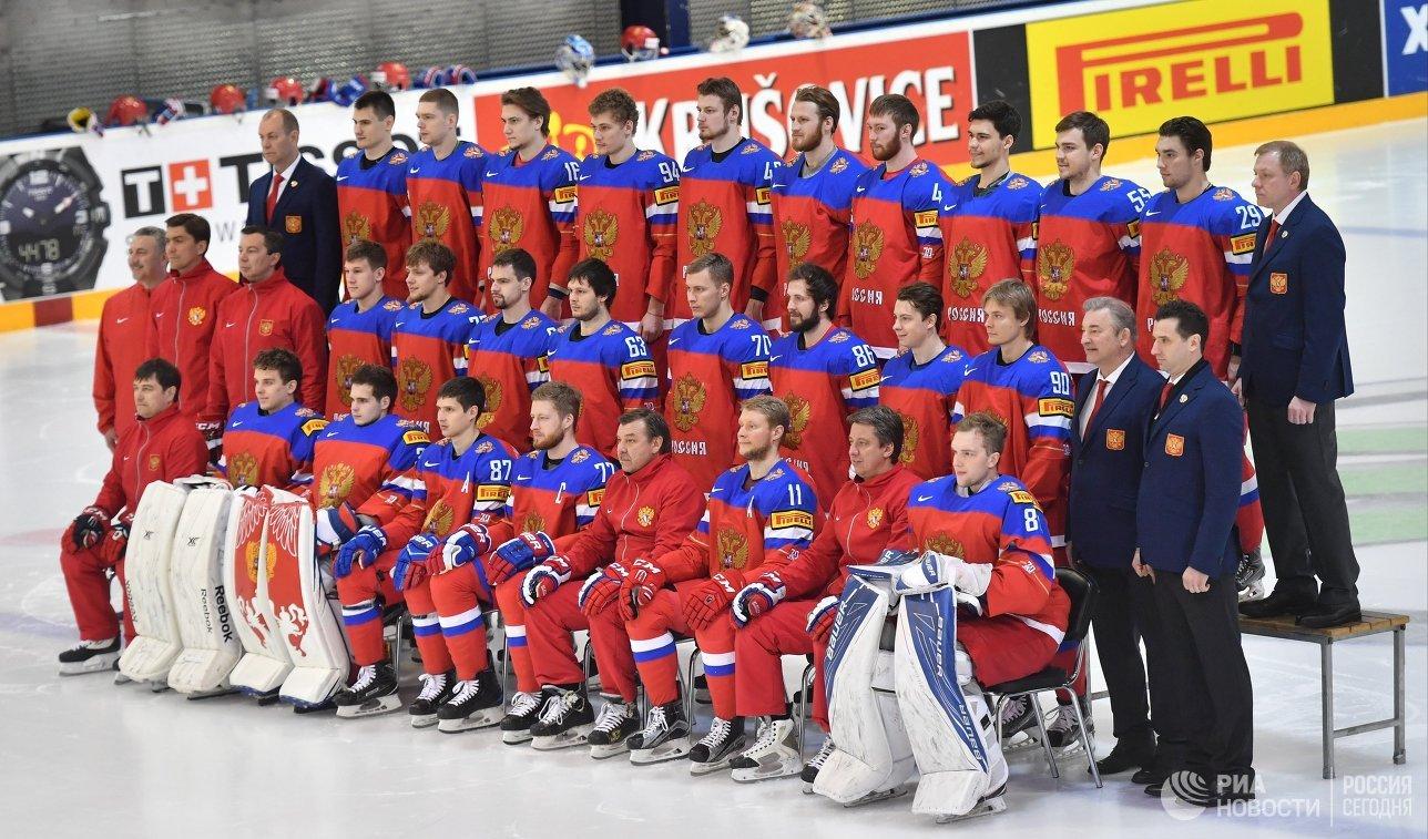 Игроки и тренерский штаб сборной России по хоккею