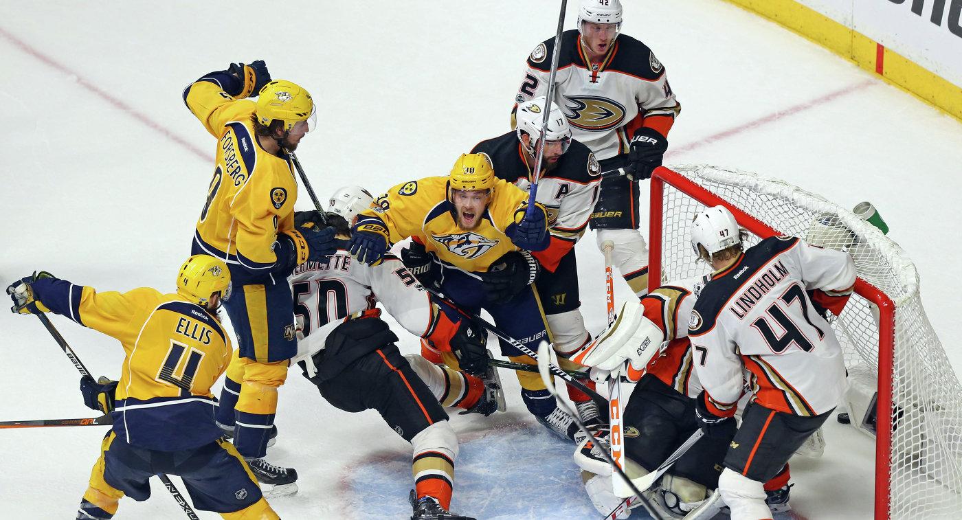 Игровой момент матча НХЛ между Нэшвиллом и Анахаймом