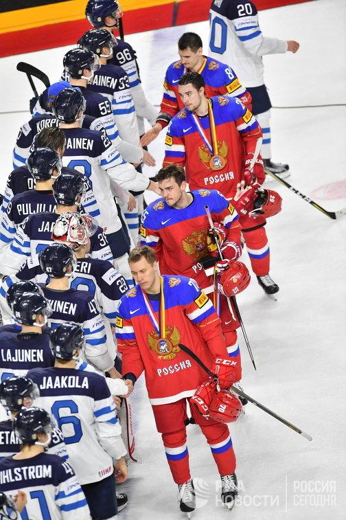 Игроки сборной России и сборной Финляндии