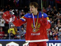 Форвард сборной России Артемий Панарин на церемонии награждения бронзовых призеров чемпионата мира по хоккею-2017