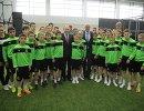 Владимир Путин во время посещения детско-юношеской Академии футбольного клуба Краснодар