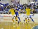 Игровой момент матча чемпионата России по мини-футболу между Газпром-Югрой и Диной
