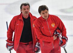 Олег Знарок и Игорь Никитин (справа)