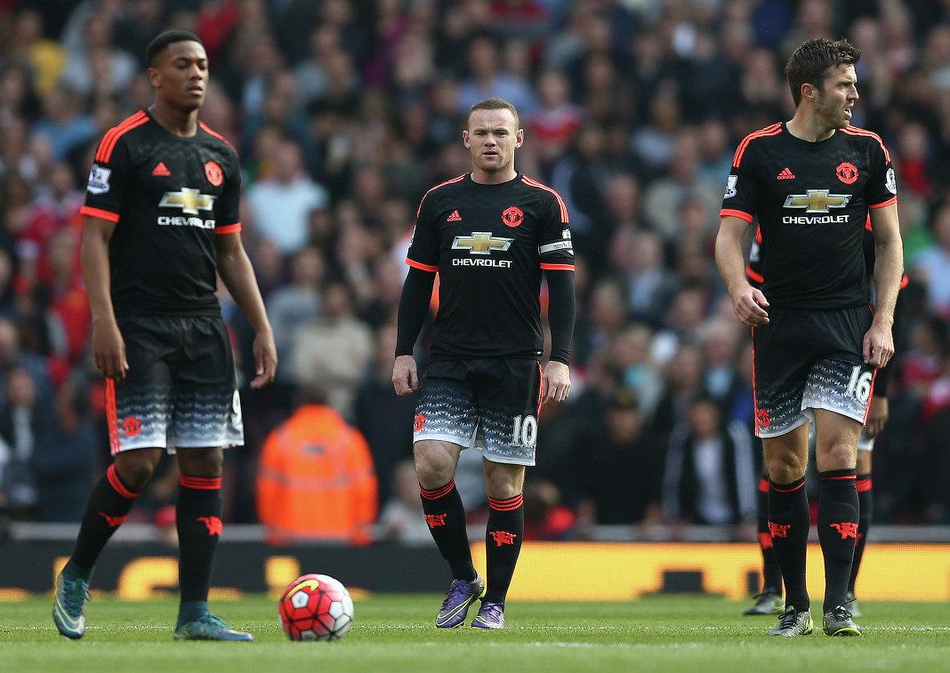 Футболисты Манчестер Юнайтед Антони Марсьяль, Уэйн Руни и Майкл Каррик (слева направо)