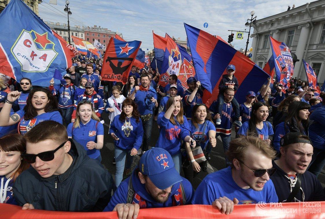 Парад ХК СКА в Санкт-Петербурге в честь победы команды в Кубке Гагарина в сезоне-2016/17