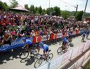 Велогонщики команды Газпром-Русвело на одном из этапов Джиро д'Италия