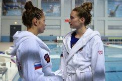 Анна Карнаух и Анастасия Верхоглядова (справа)