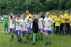 Участники футбольного турнира МегаФона среди детских домов и школ-интернатов Будущее зависит от тебя, игроки Оренбуржья