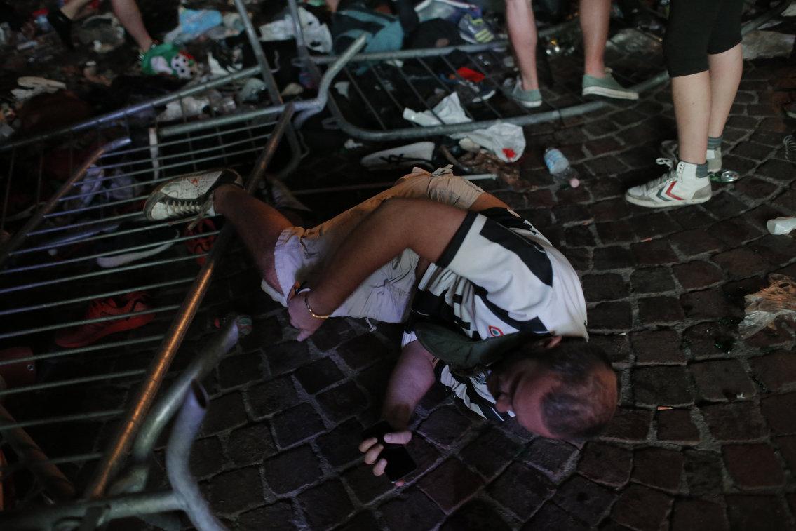 Болельщик Ювентуса, пострадавший в давке в фан-зоне во время финала Лиги чемпионов