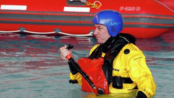 Главный редактор агентства Р-Спорт Василий Конов во время тренировки в Морском учебно-тренажерном центре имени адмирала Макарова