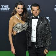 Футболист сборной Бразилии Дани Алвес и его подруга модель Хоана Санс