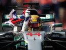 Пилот команды Формулы-1 Мерседес Льюис Хэмилтон