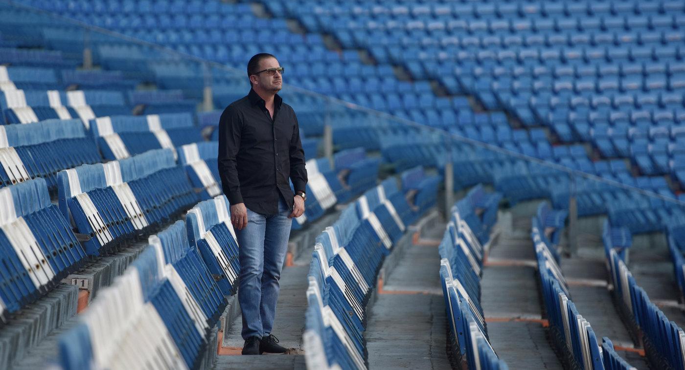 Экс-футболист мадридского Реала Предраг Миятович на стадионе Сантьяго Бернабеу