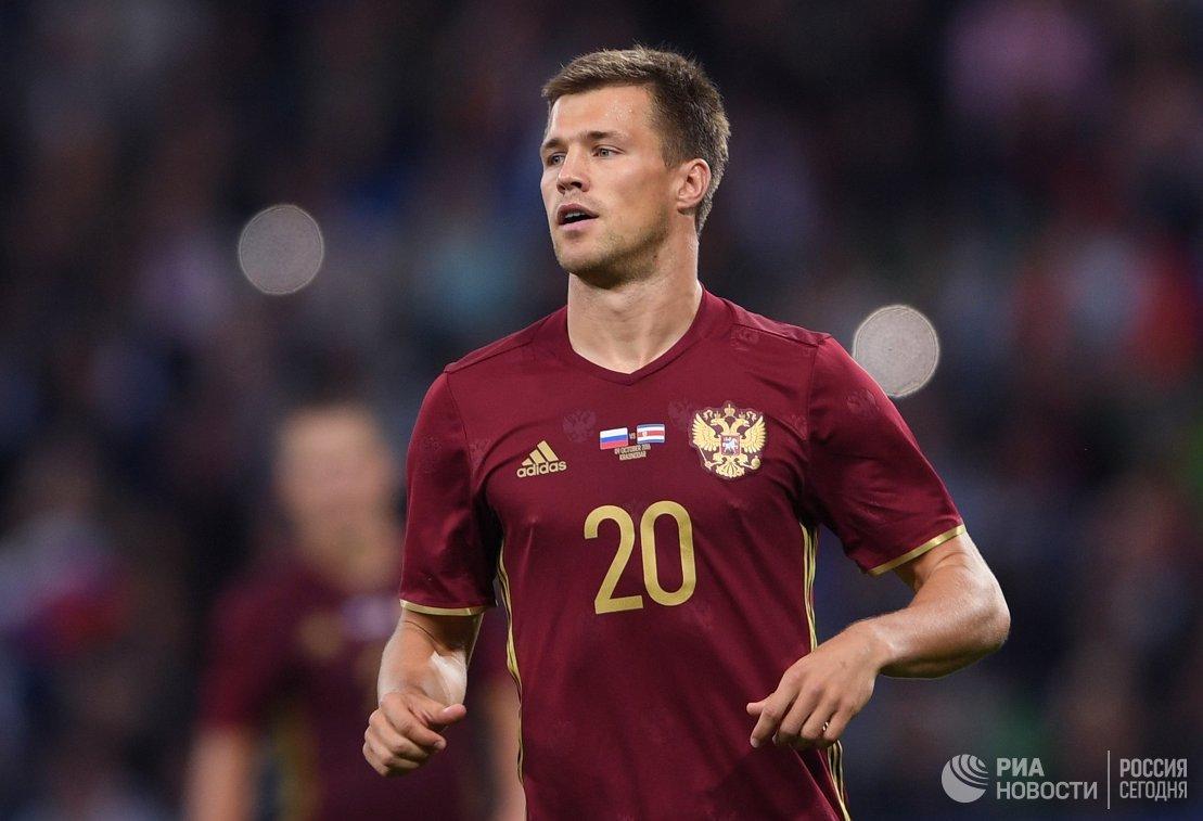 Нападающий Рубина и сборной России Максим Канунников