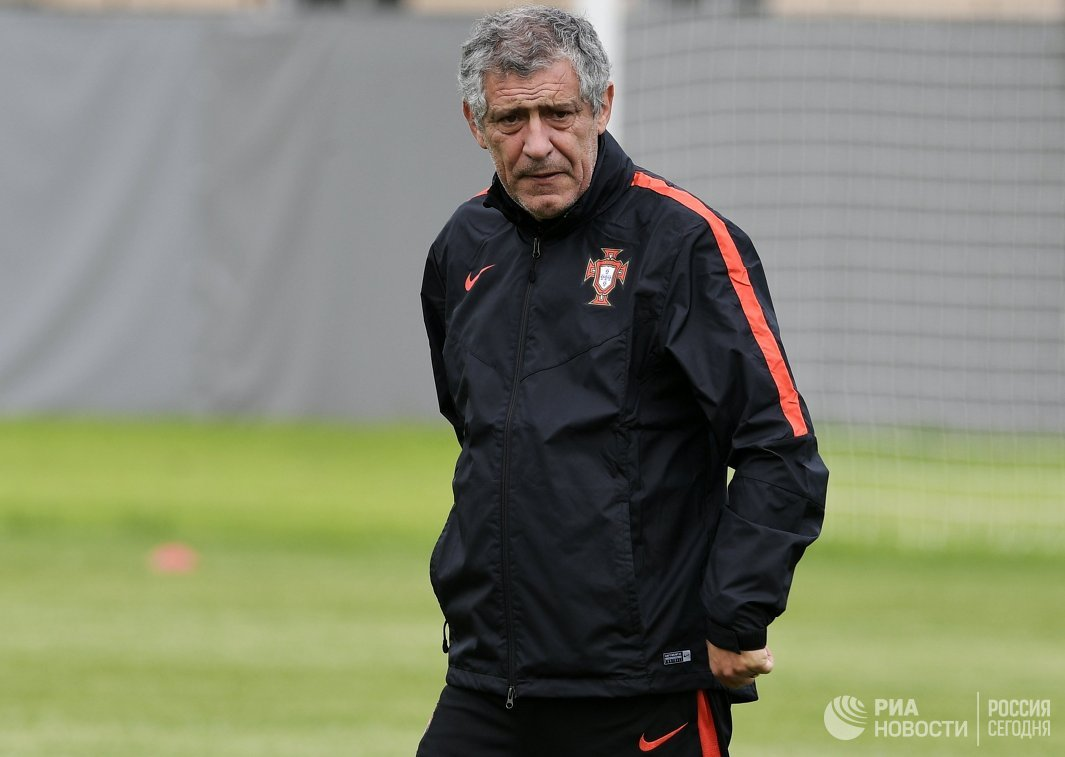 Главный тренер сборной Португалии Фернанду Сантуш