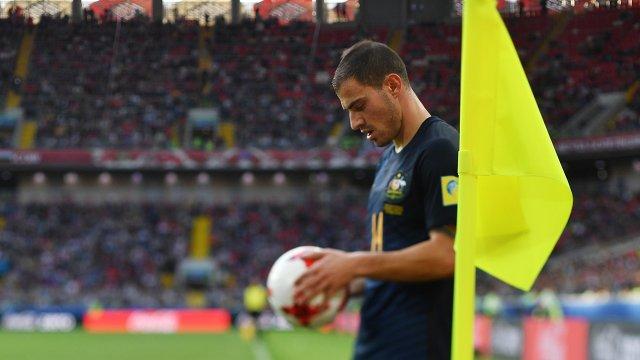 Полузащитник сборной Австралии по футболу Джеймс Троизи