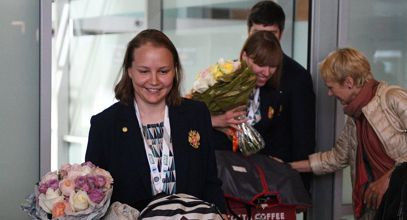 Члены женской сборной России по шахматам Валентина Гунина и Ольга Гиря (слева направо)