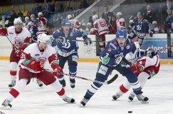 Хоккеист Александр Карпушкин