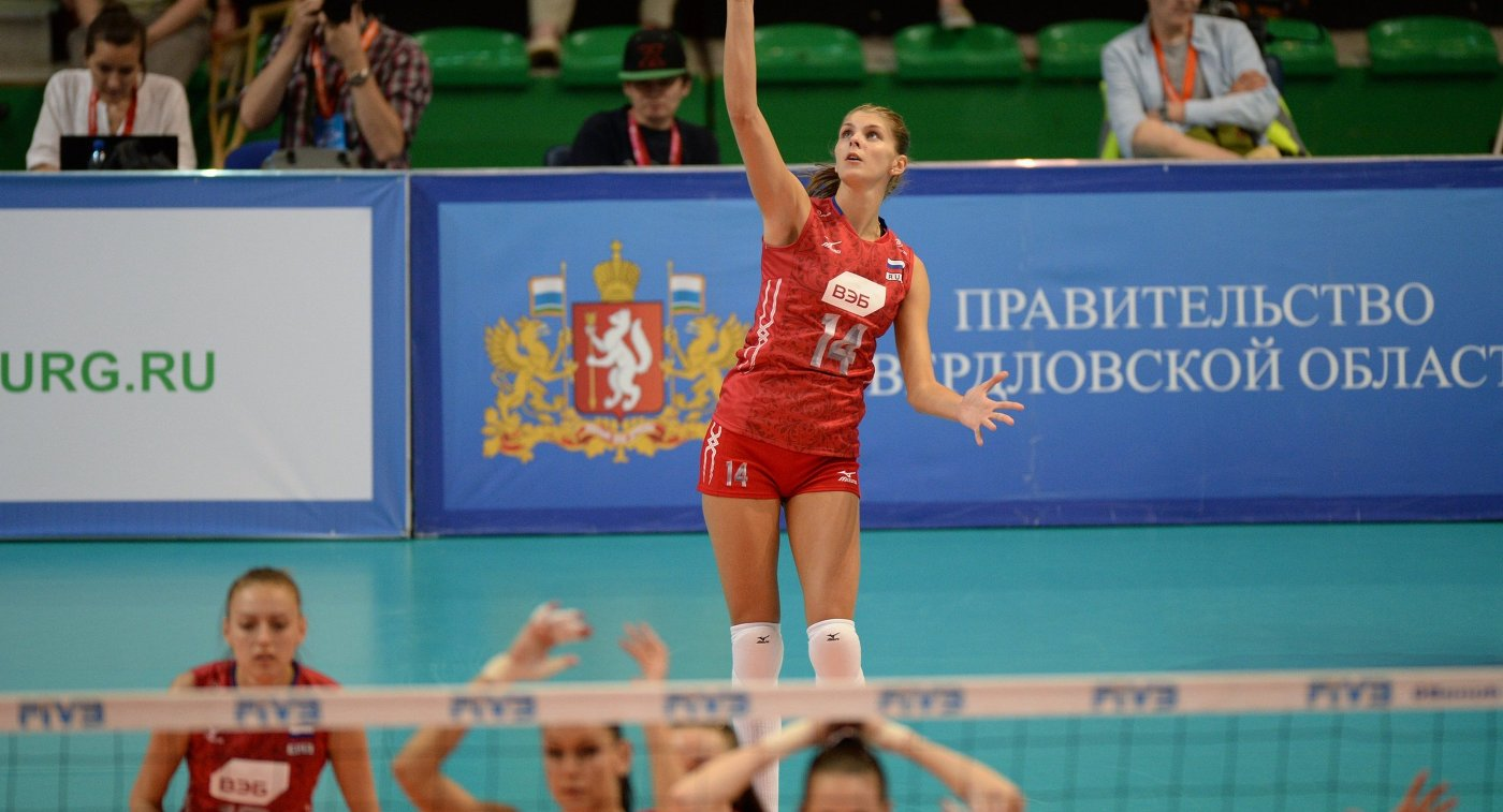 Блокирующая сборной России Ирина Фетисова