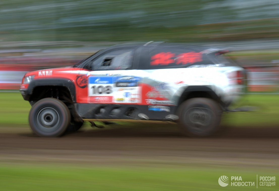 Автомобиль команды Baicmotor racing team под управлением Кристиана Ливиеля (Франция)