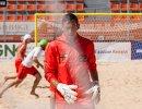 Голкипер пляжного футбольного клуба Кристалл Роман Герус