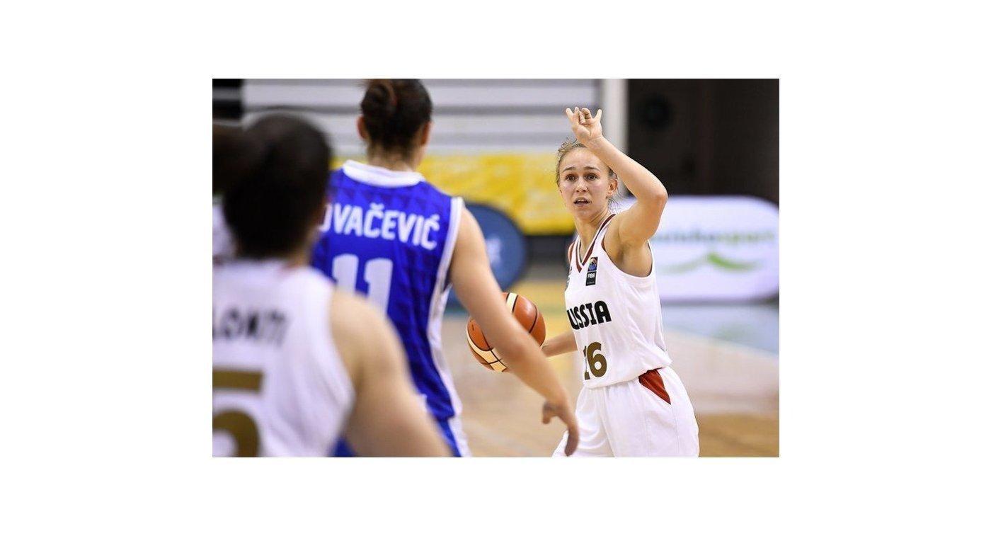 Игровой момент матча 1/8 финала чемпионата Европы по баскетболу среди игроков до 20 лет между сборными России и Боснии и Герцеговины