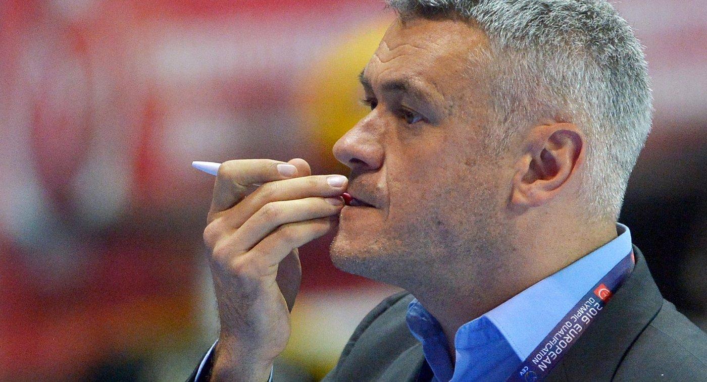 Тренер женской сборной Бельгии по волейболу Герт ван де Брек
