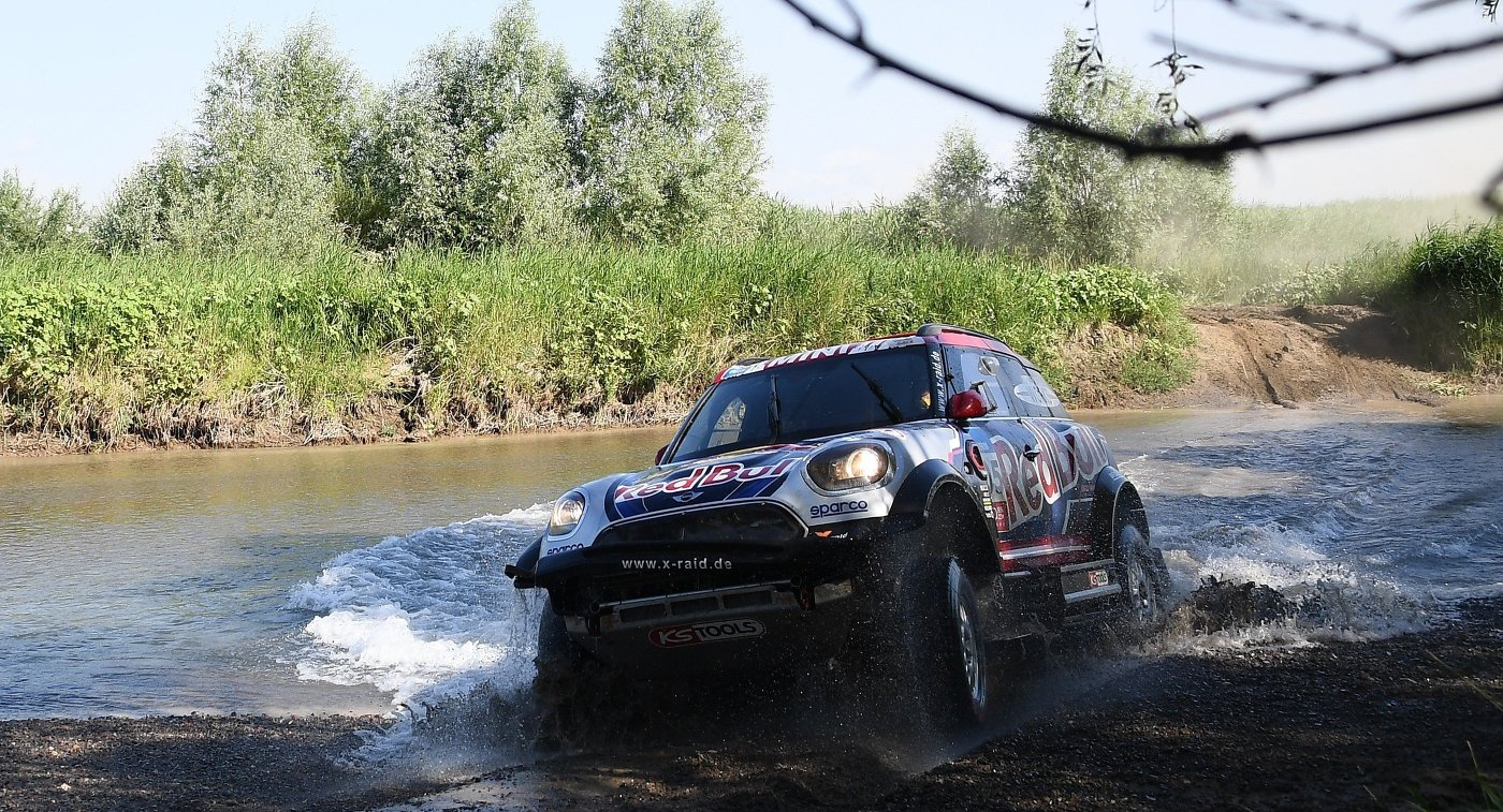 Американец Брайс Мензис из команды X-Raid Mini John Cooper Works Rally Team