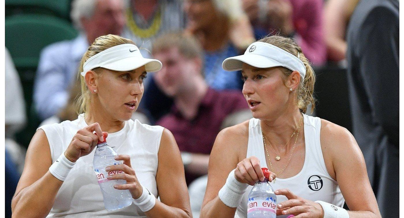 Елена Веснина и Екатерина Макарова (справа)