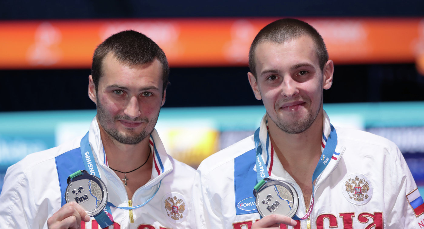 Александр Бондарь (слева) и Виктор Минибаев