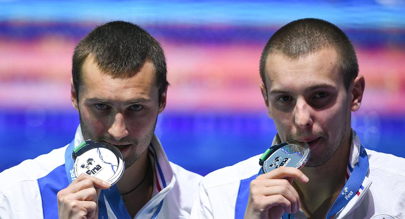 Александр Бондарь и Виктор Минибаев (справа)
