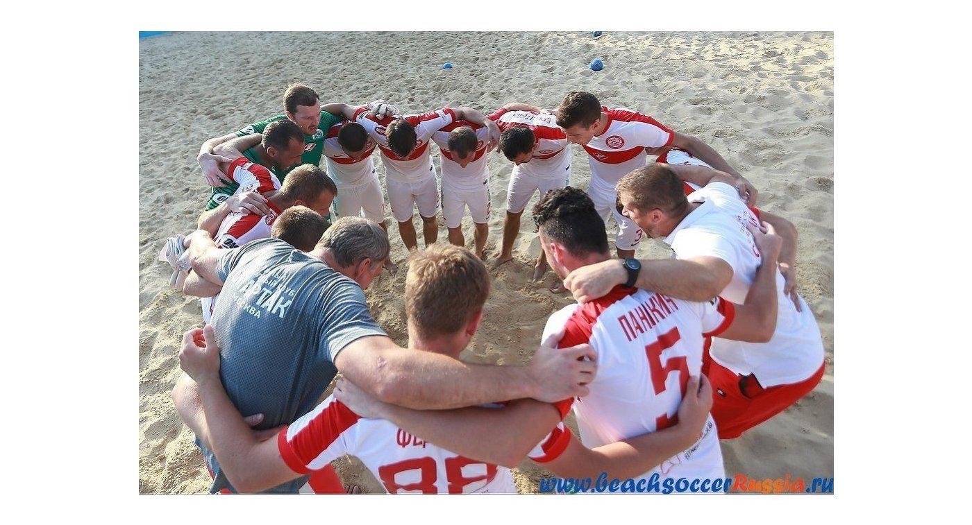 «Кристалл» стал первым финалистом саратовского Суперфинала попляжному футболу