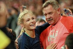 Дарья Клишина (слева) и её тренер Лорен Сигрейв