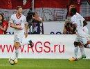 Полузащитники Локомотива Алексей Миранчук, Мануэл Фернандеш и Дмитрий Баринов (слева направо)