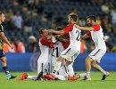 Футболисты Вардара радуются победе над Фенербахче