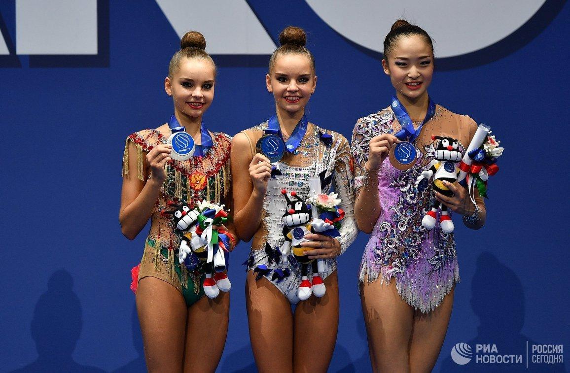Арина Аверина, Дина Аверина, Кахо Минагава (слева направо)