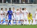 Футболисты сборной России радуются забитому голу
