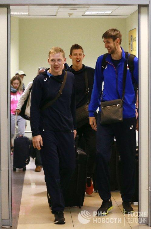 Волейболисты сборной России Сергей Гранкин, Дмитрий Волков и Артем Вольвич (слева направо)