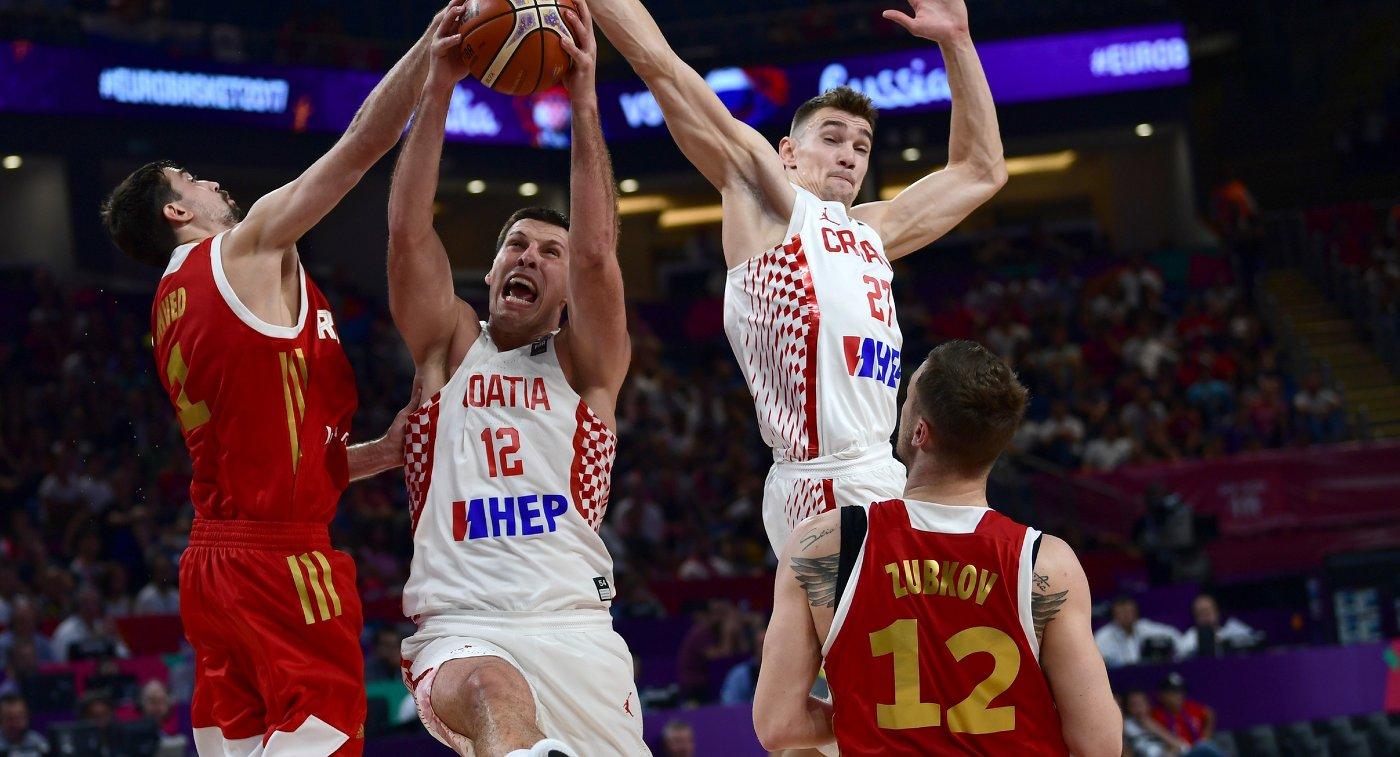 Игровой момент матча чемпионата Европы по баскетболу между командами России и Хорватии