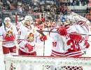 Хоккеисты Йокерита радуются победе