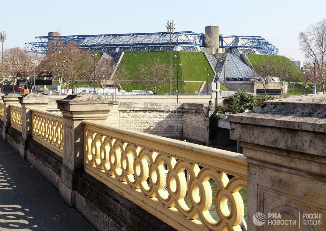 Дворец спорта Берси в Париж