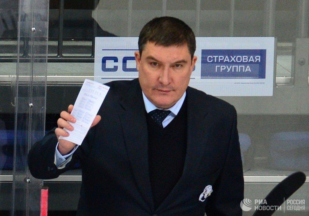 Главный тренер Трактора Анвар Гатиятулин