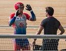 Велогонщик Шейн Перкинс (слева) и его тренер Владимир Хозов