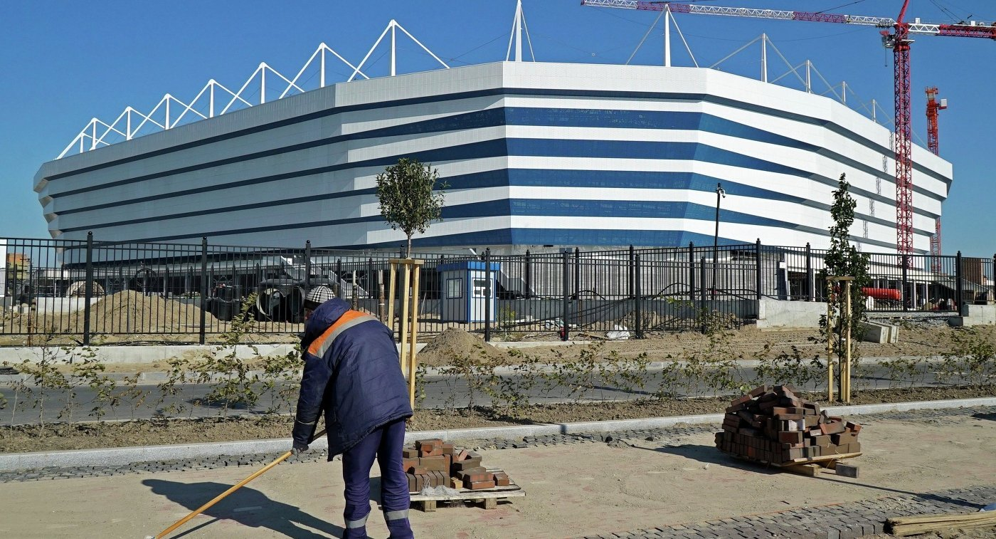Минстрой порекомендовал увеличить число рабочих настадионе вКалининграде