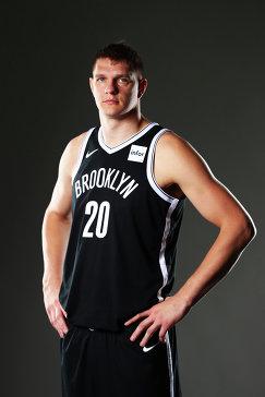Центровой клуба НБА Бруклин Нетс Тимофей Мозгов