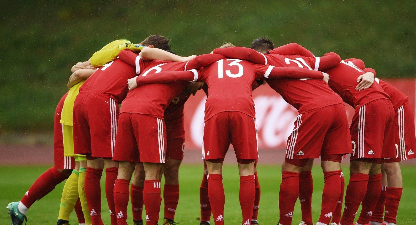 Обухов пропустил три мяча, однако сборная Российской Федерации одолела