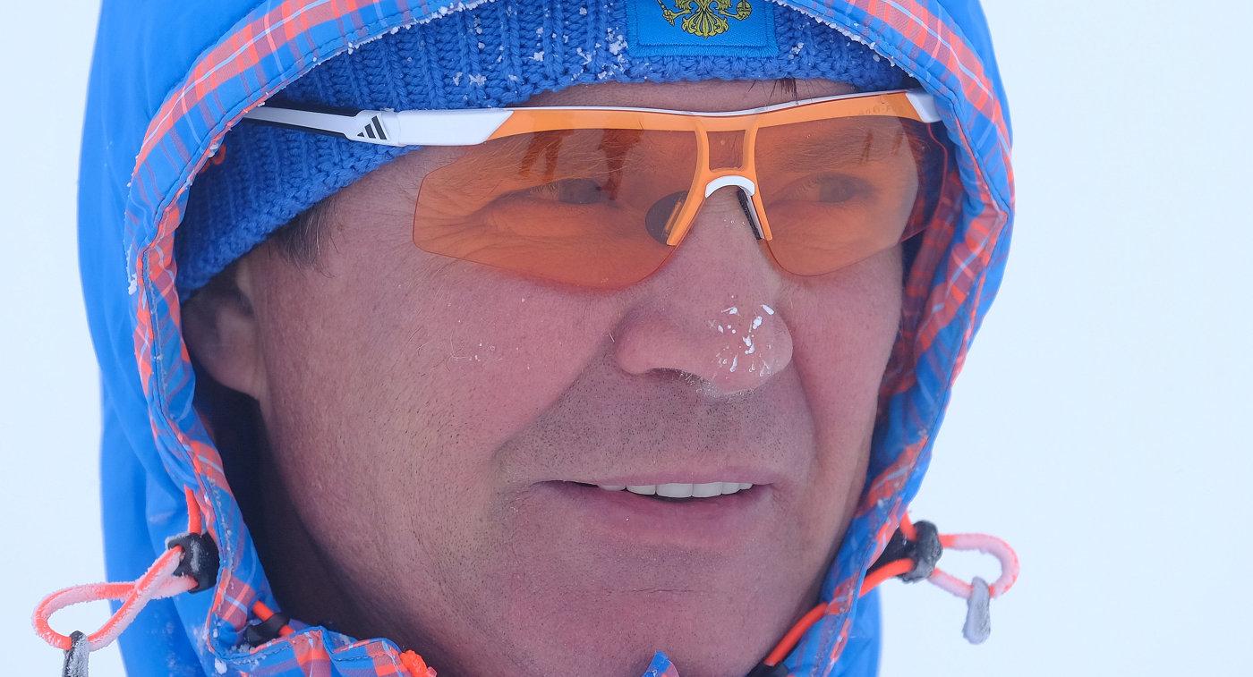 Старший тренер мужской сборной Андрей Падин