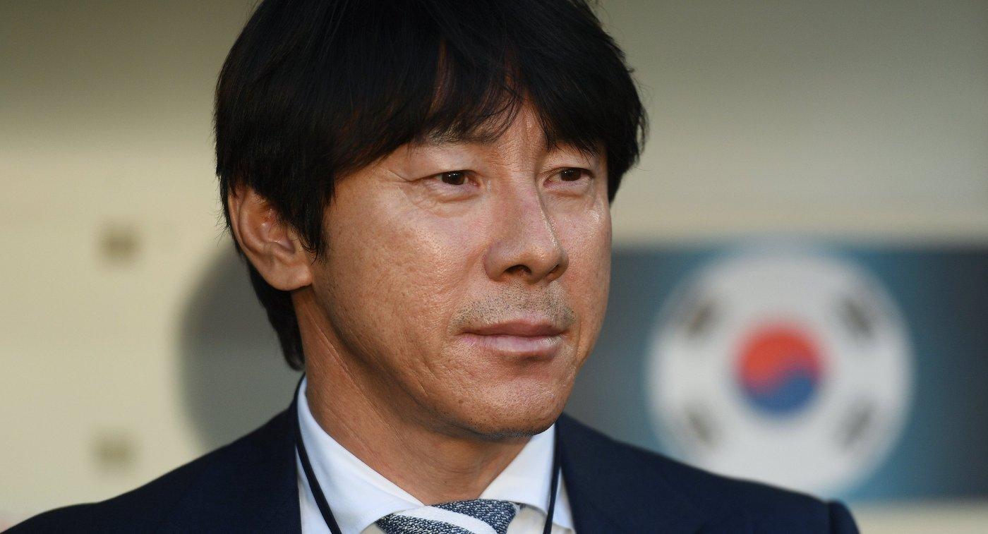 Главный тренер сборной Южной Кореи Син Тхэ Ен