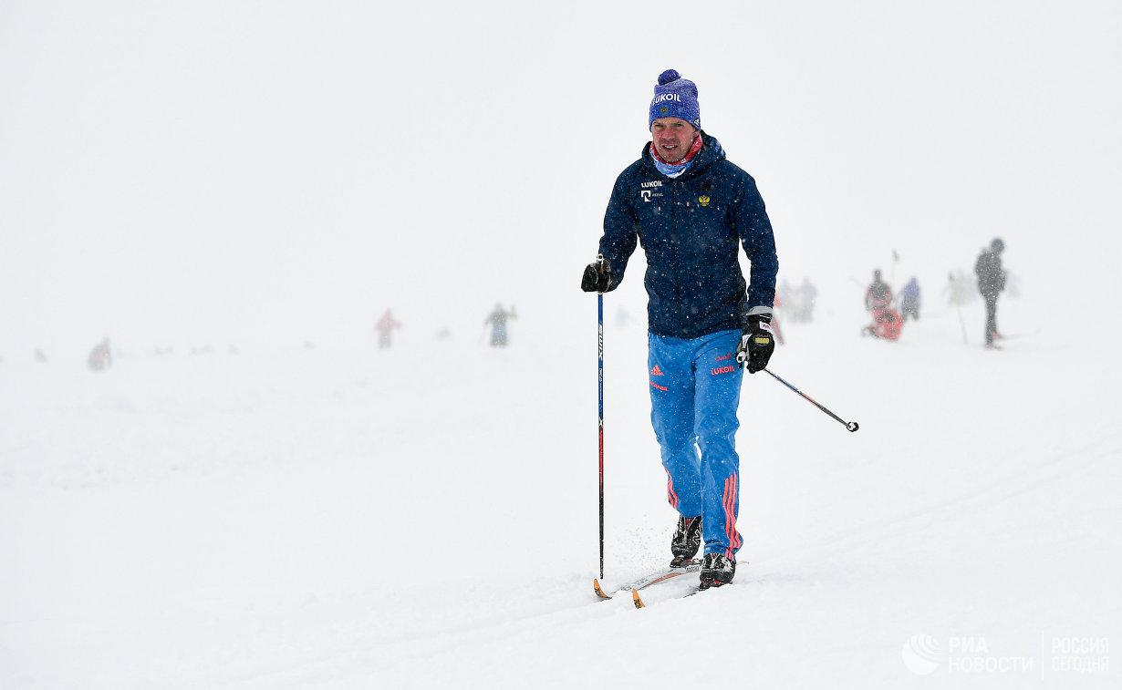 Старший тренер женской сборной России по лыжным гонкам Даниил Акимов