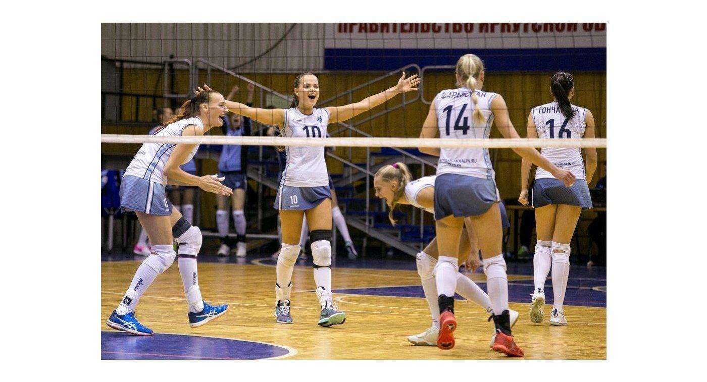 Волейболистки Сахалина